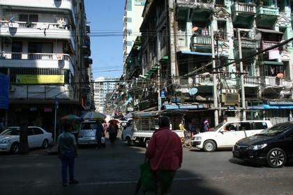 23fd50e5a1ab4 Ein Rummel wie auf einem Bazar